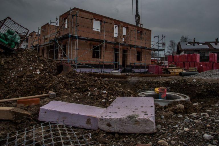 leider zum Alltag geworden: Styropor und Plastik auf der Baustelle