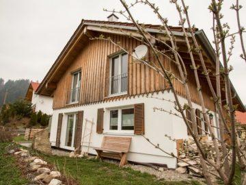 ein gelunger neuer Familienhausbau in ökologischer Bauweise